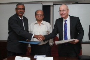 Edinburgh & CMC Vellore sign MoU
